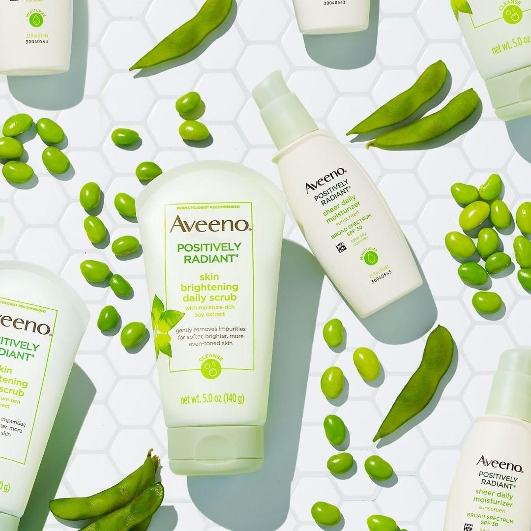 Aveeno Daily scrub with Aveeno Moisturizer