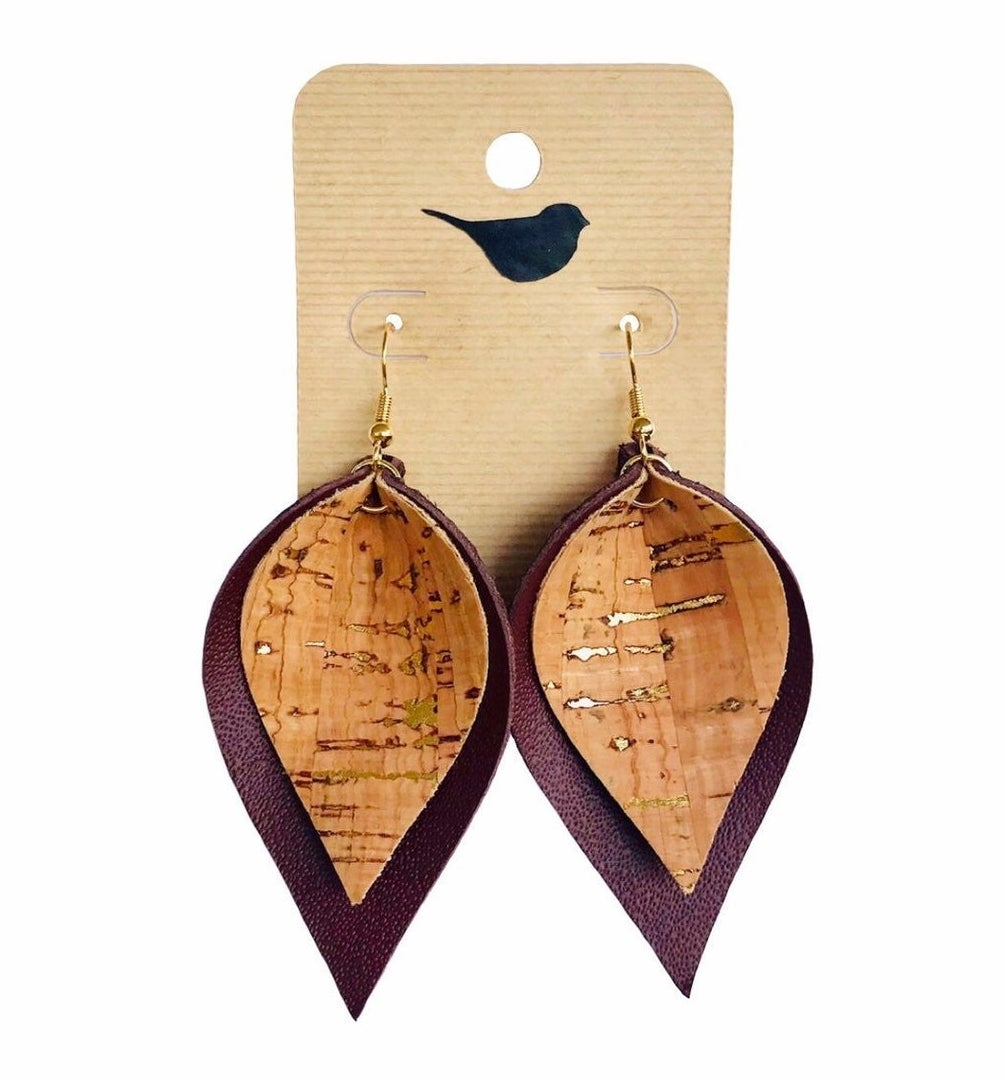 Faux leather and cork earrings in the shape of leaves
