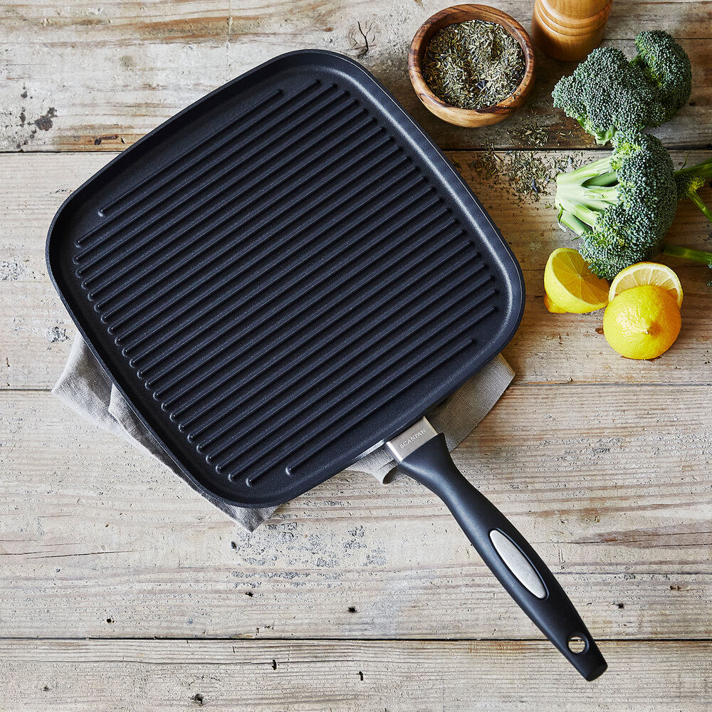 The square shaped griddle with a handle
