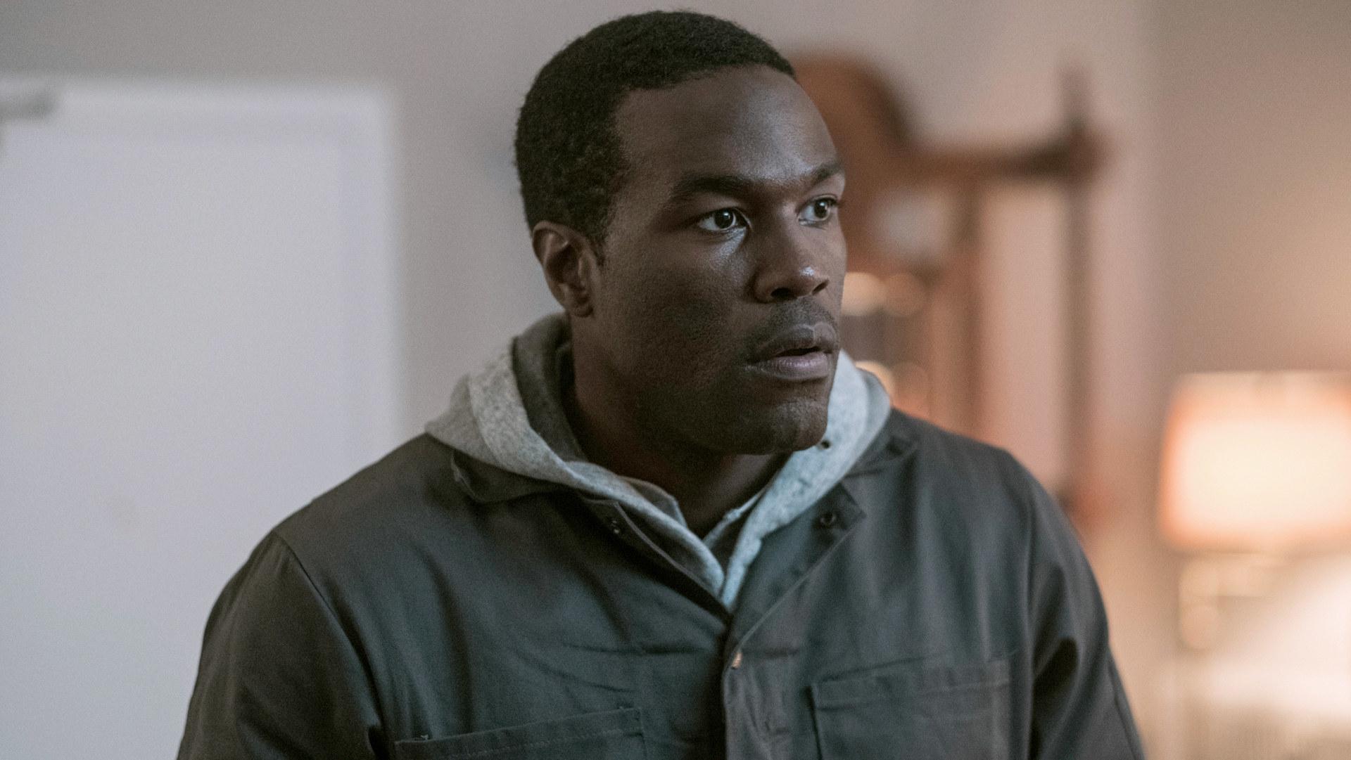 "Yahya looks across the room as Omar in ""The Handmaids Tale"""