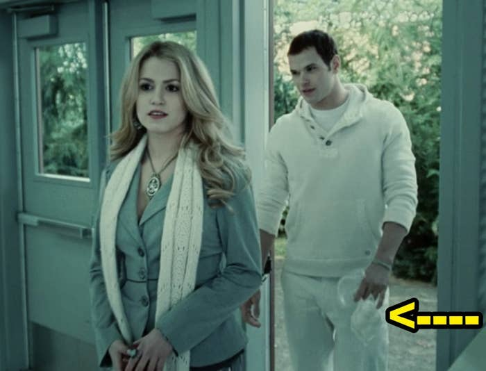 """Emmett carrying around a bag of boiled eggs in """"Twilight"""""""