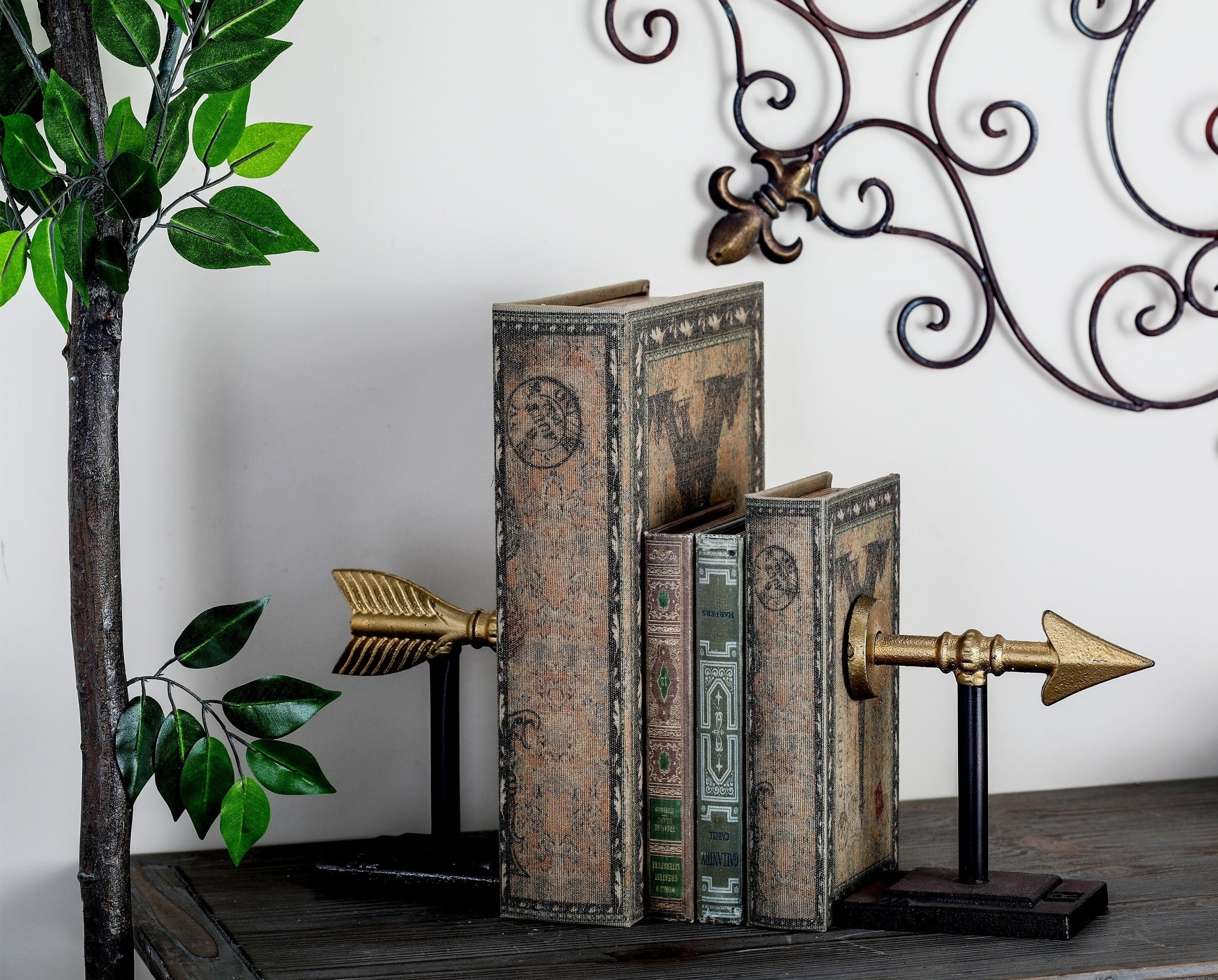 The black and gold bookends