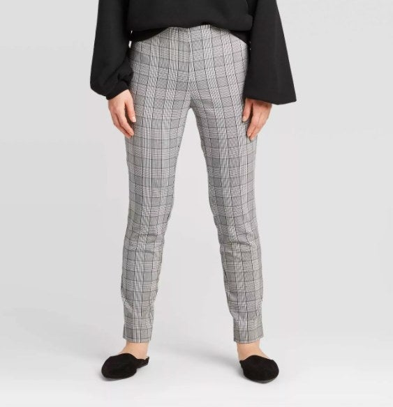 Model wearing the gray pants