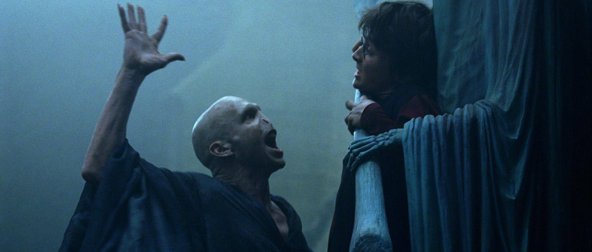 """Voldemort playing that annoying game of """"I'm not touching you"""" with Harry"""