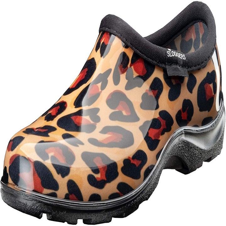 the shoe in cheetah print
