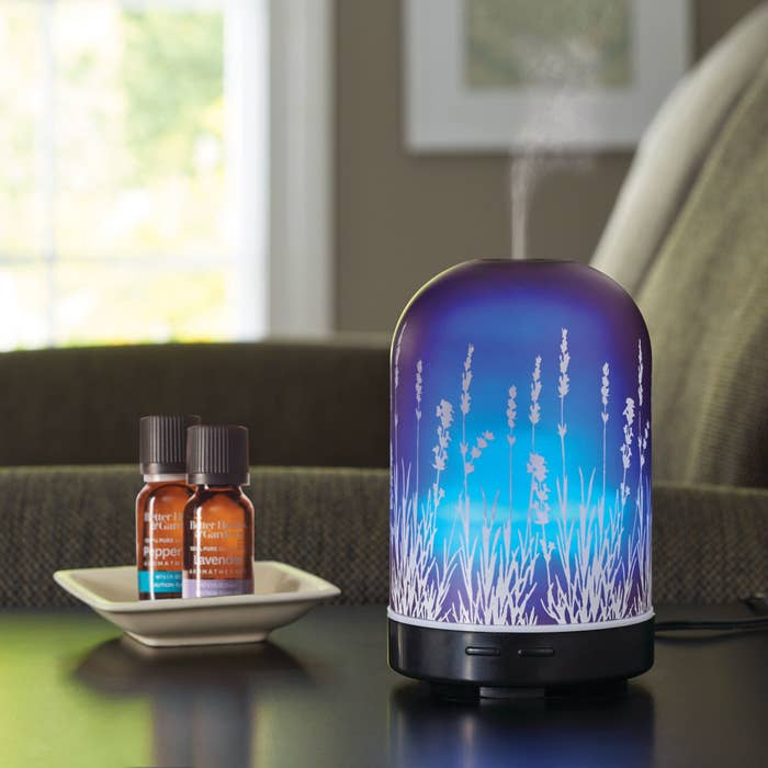 The diffuser with the peppermint and lavender essential oils