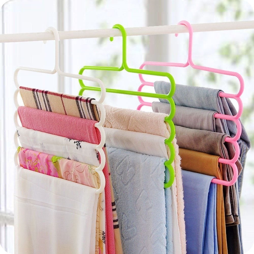 A set of hangers with 5 layers