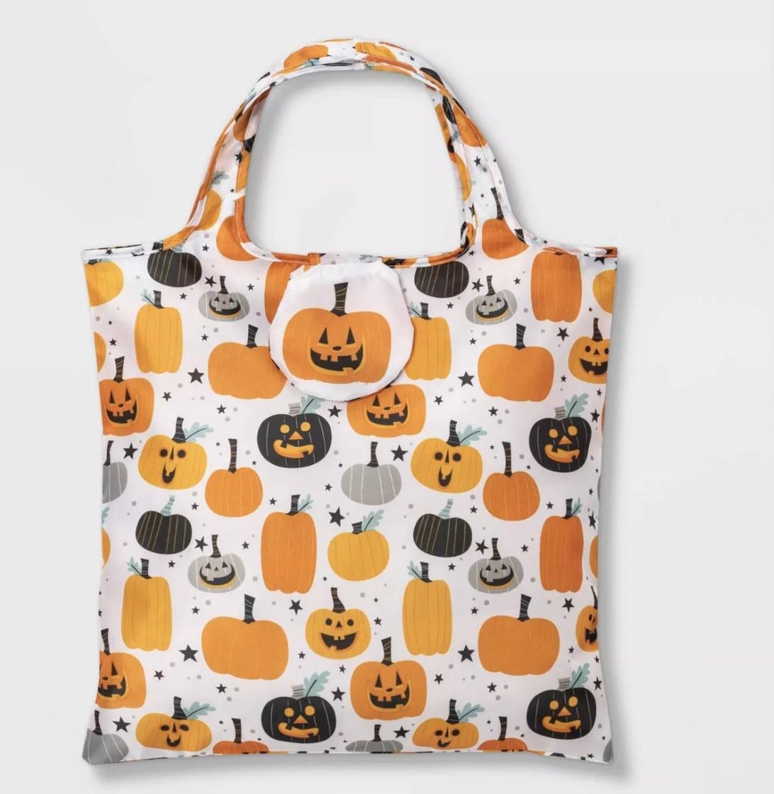 Reusable Halloween treat bag in pumpkin print