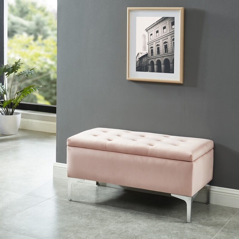 The storage bench in a home