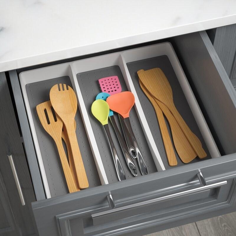 The drawer organizer with utensils