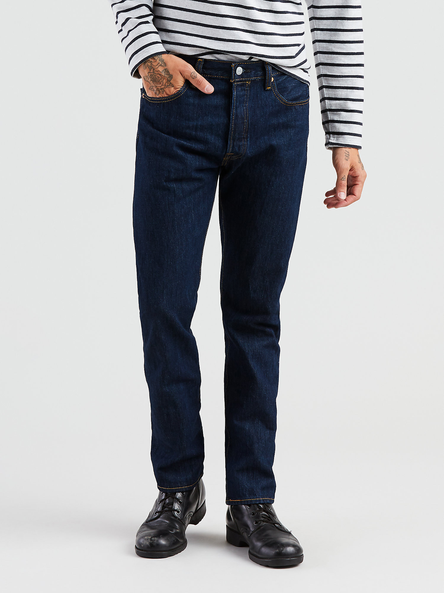 The jeans in dark blue rinse