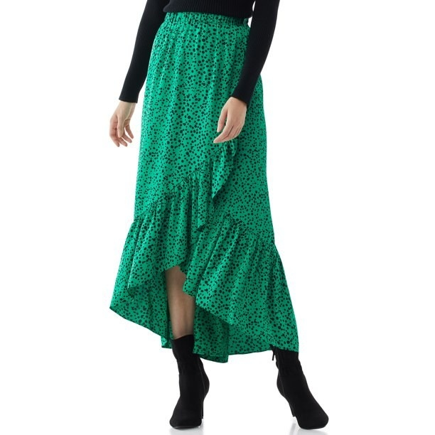 Model in high-low maxi skirt