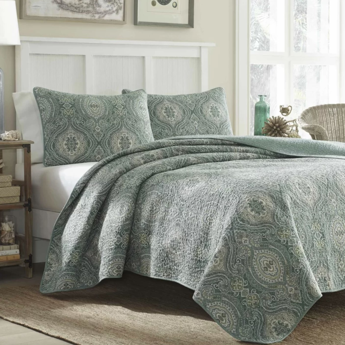 The reversible geometric cotton two-piece quilt set in green