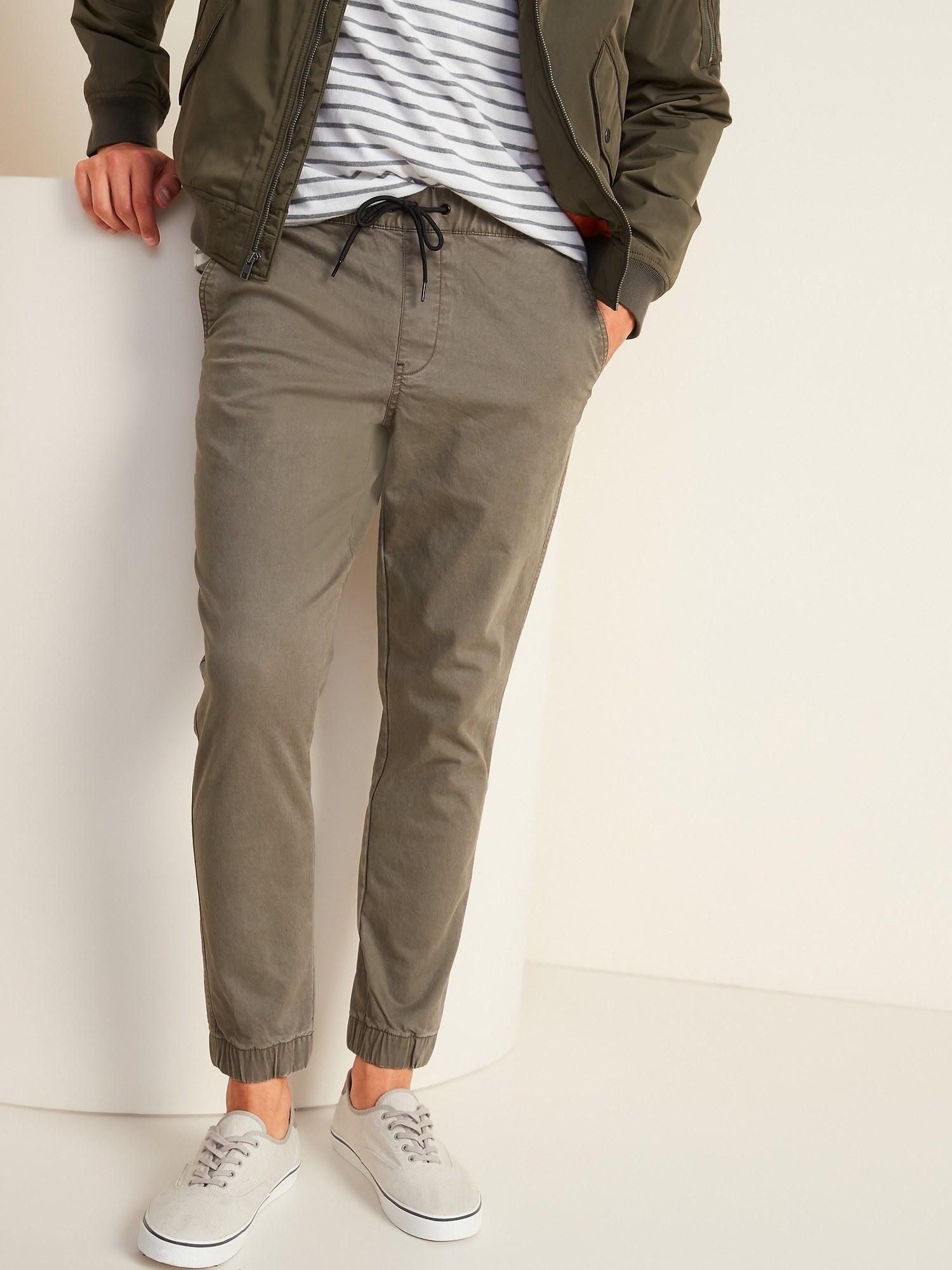 model wearing built-in flex jogger pants in weimaraner