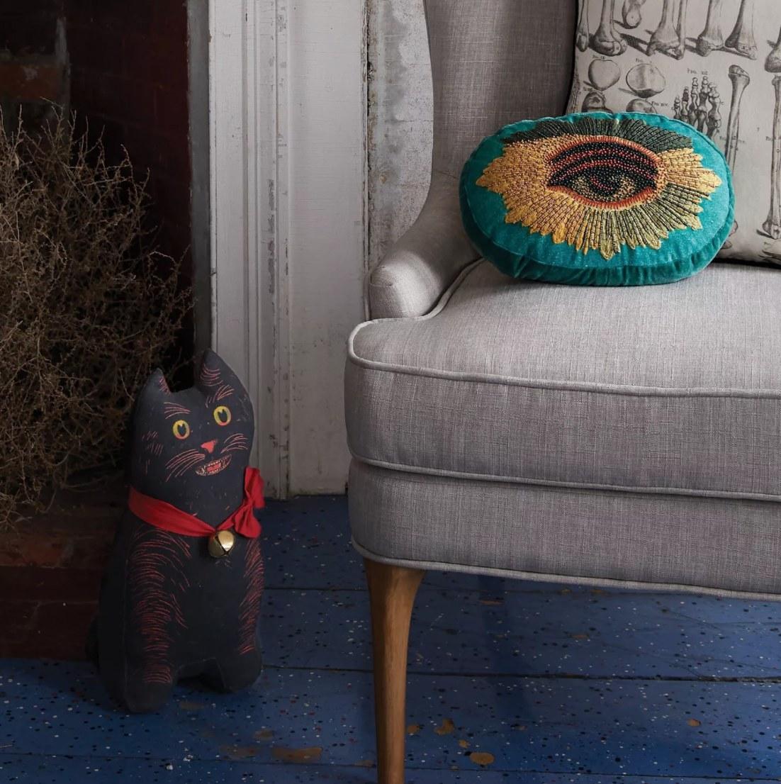 The teal eye pillow