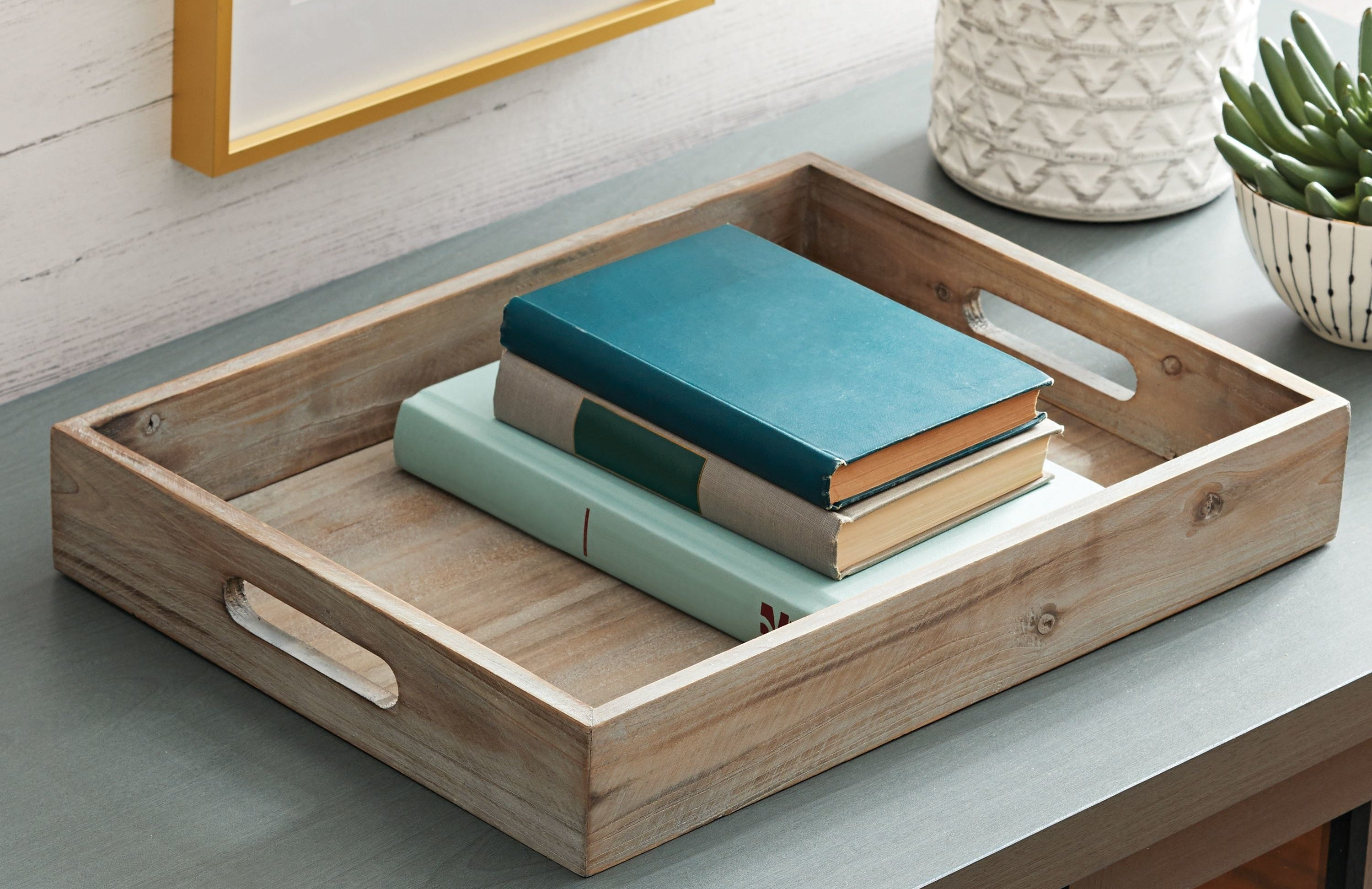 The wooden tabletop tray with handles
