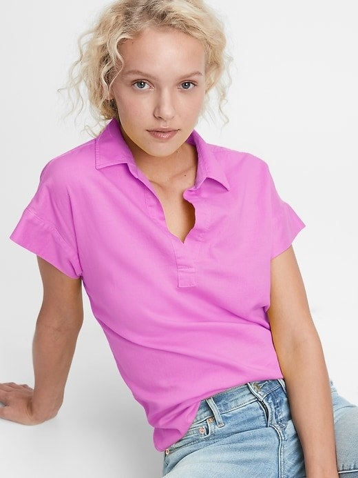 The shirt in pink