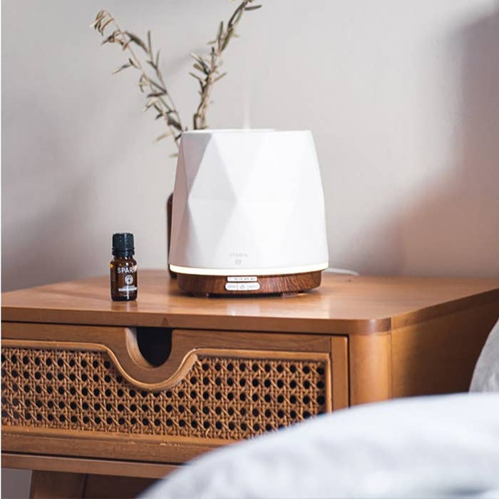 The electric essential oils diffuser