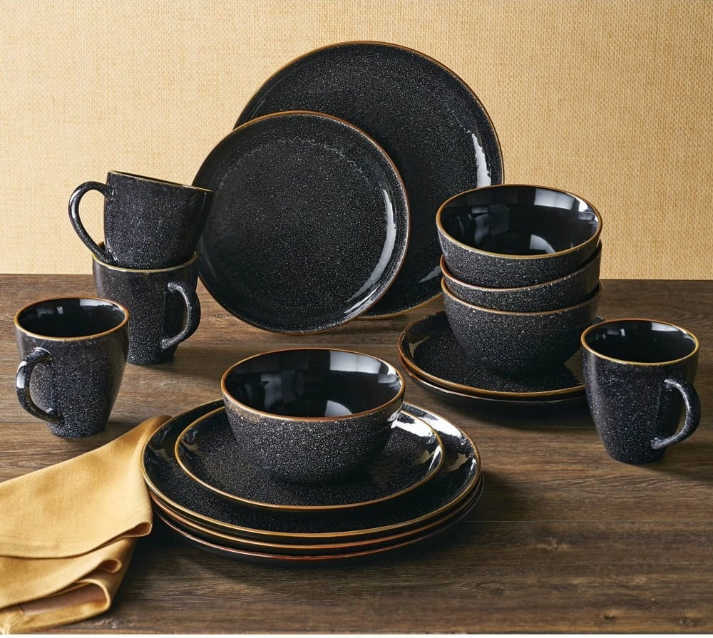 The 16 piece dinner set displayed to show the size of each item
