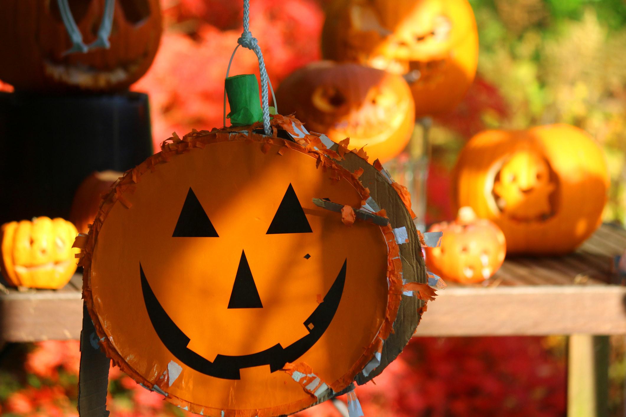 An image of a jack-o'-lantern piñata.