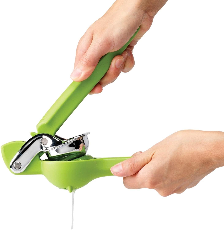 model using the green citrus juicer