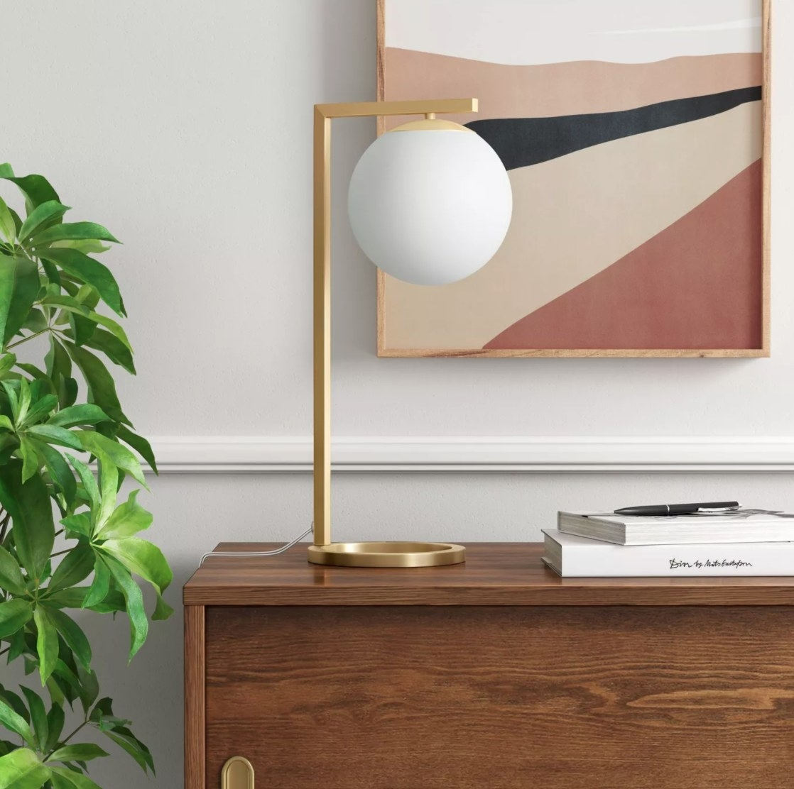 The gold accent lamp
