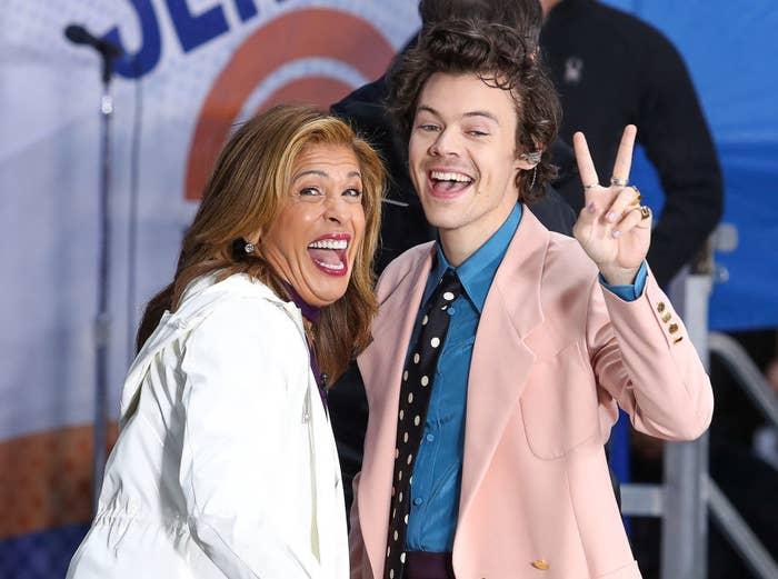 """Hoda Kotb and Harry Styles pose On NBC's """"Today"""""""
