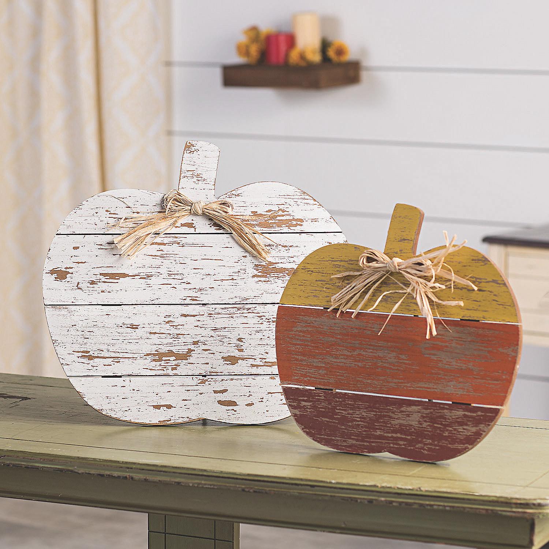 Set of farmhouse wooden pumpkins