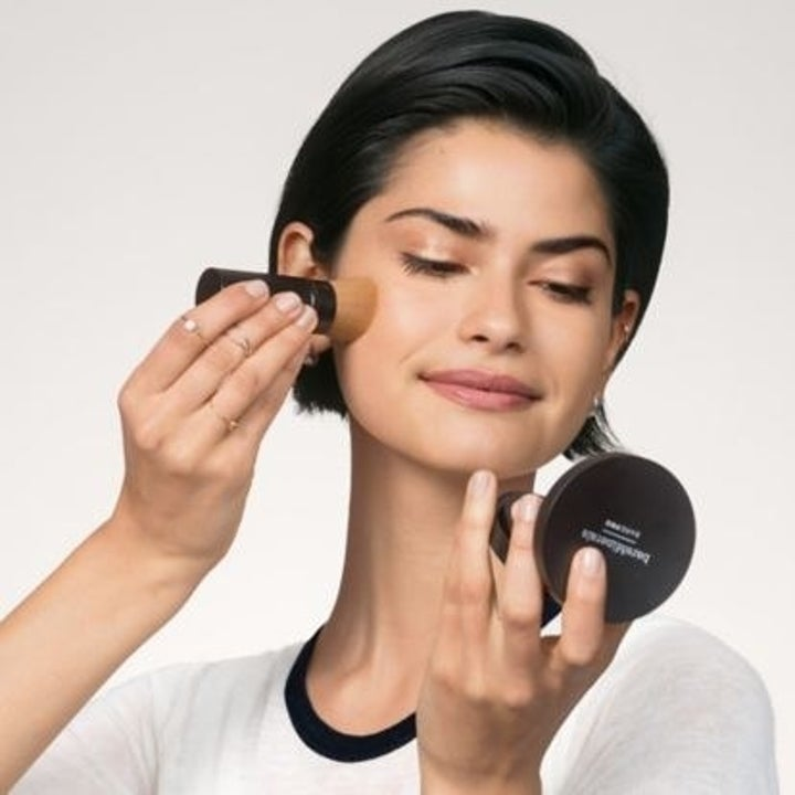 A model applying product with the brush