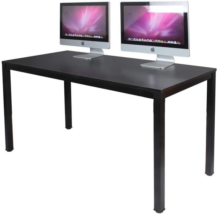 The black desk