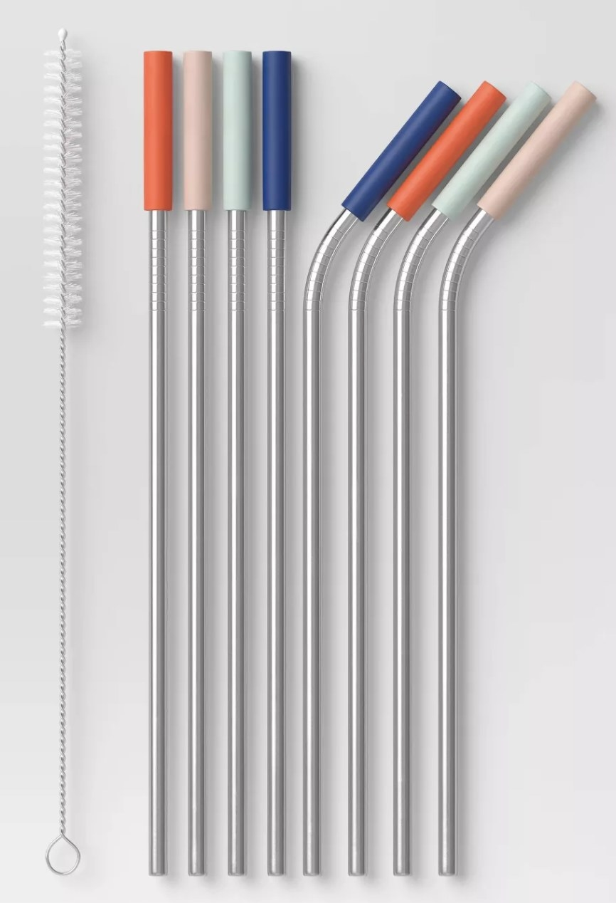 four bent and four straight straws with a pipe cleaner. silicone tips are red, green, blue, and pink.