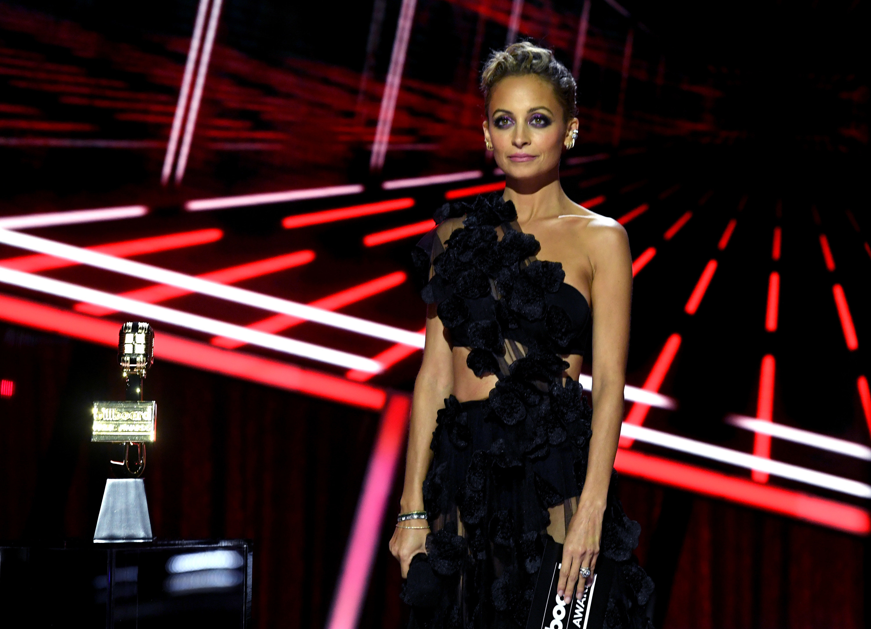 Nicole Richie at the 2020 Billboard Music Awards
