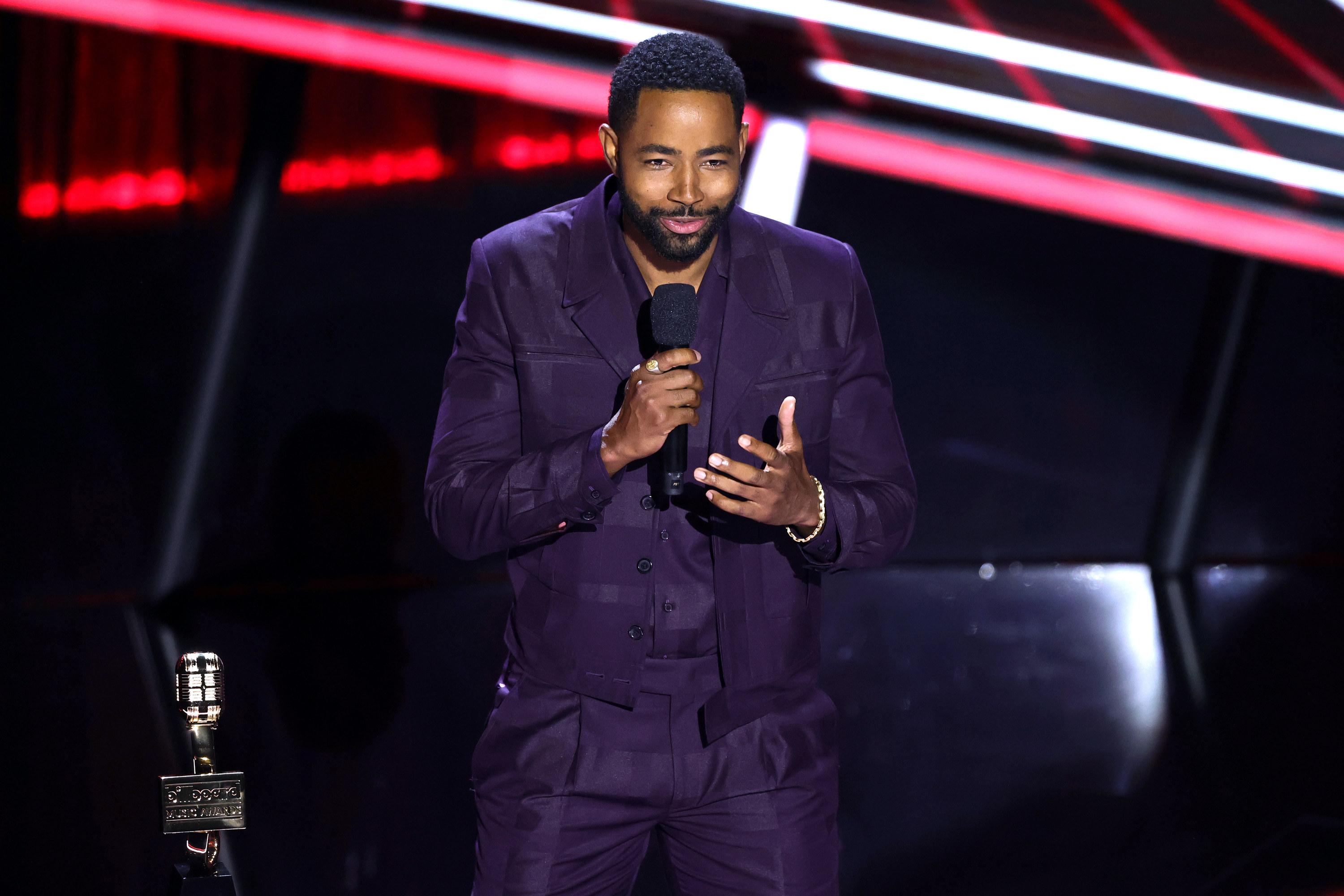 Jay Ellis at the 2020 Billboard Music Awards