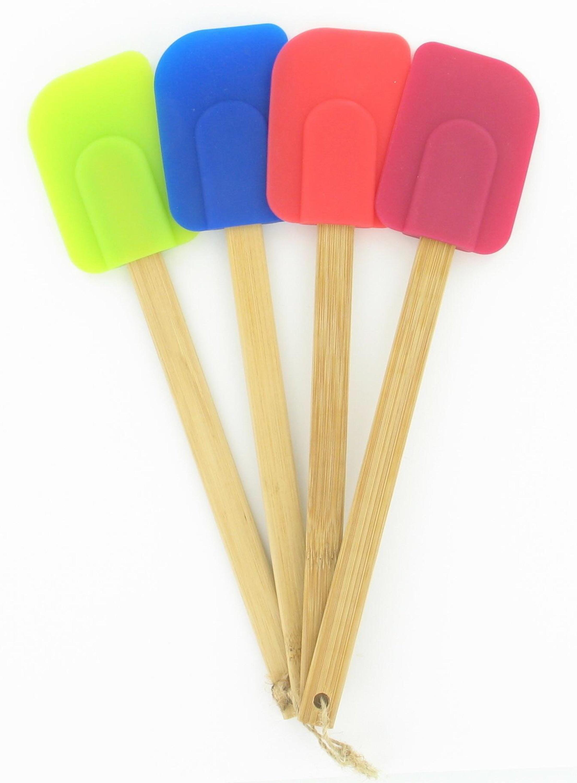 The colorful spatula set