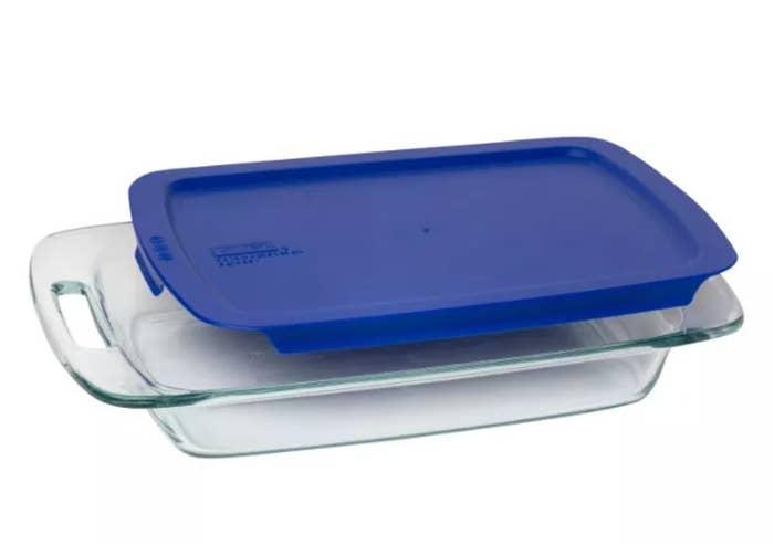 The easy-grab baking pan