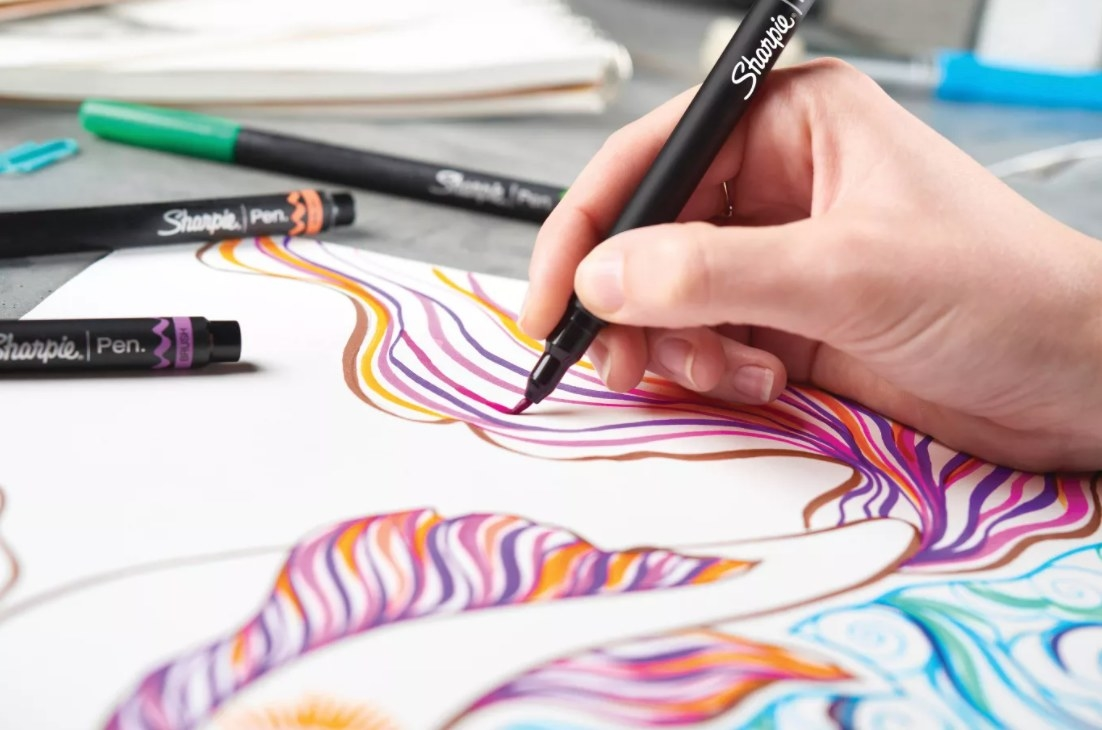 The colorful brush pens