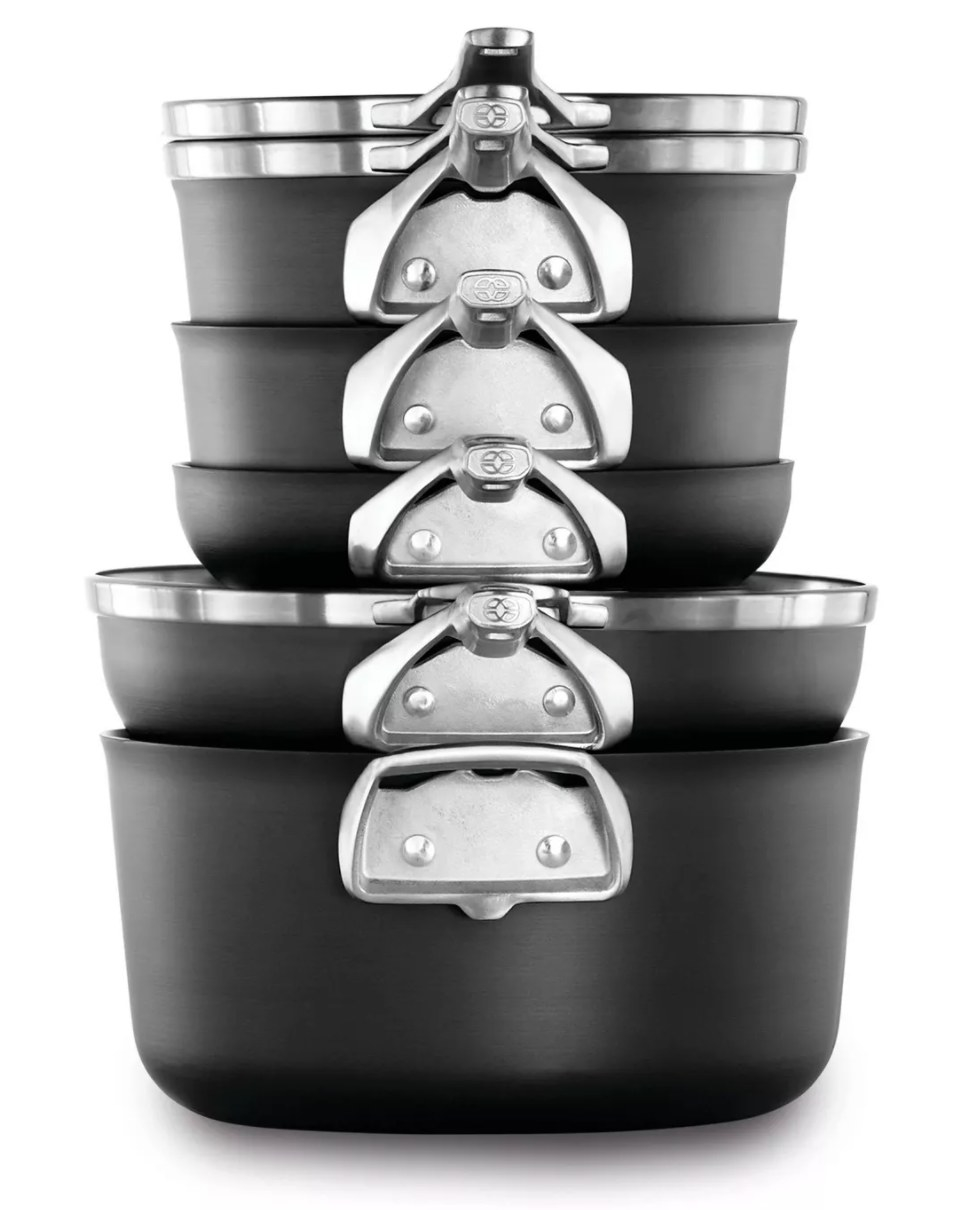 The stackable pans