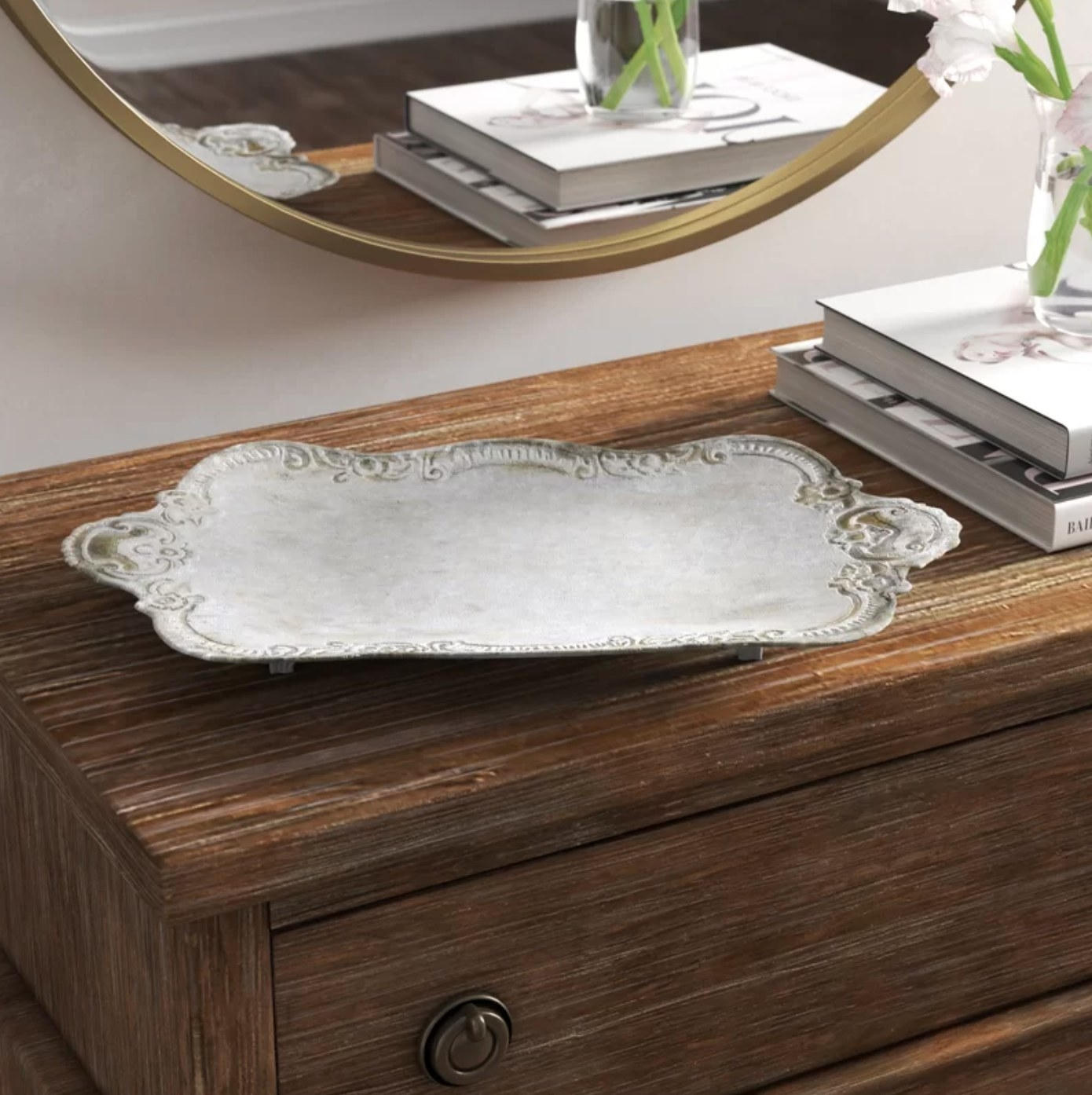 The accent tray in silver