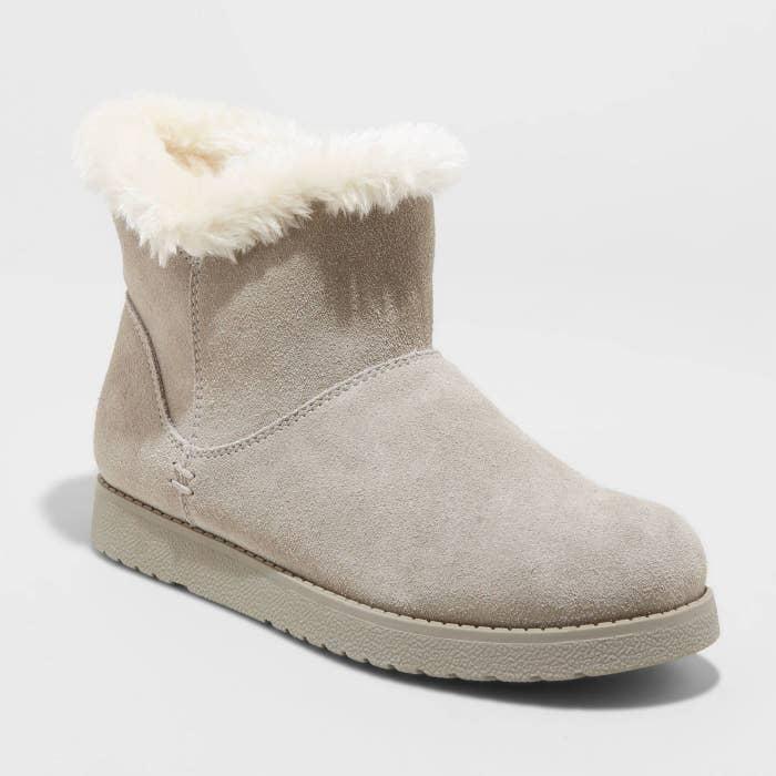 tan short shearling boots