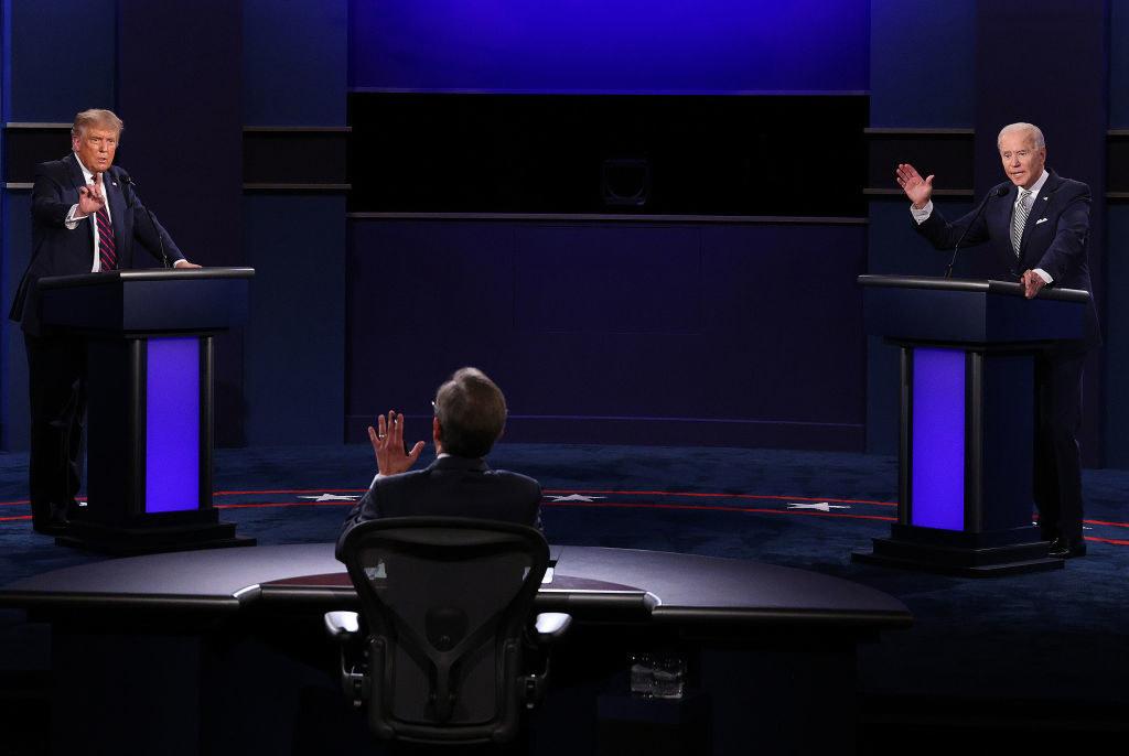 特朗普总统,副总统拜登和主持人克里斯华莱士在第一次总统辩论