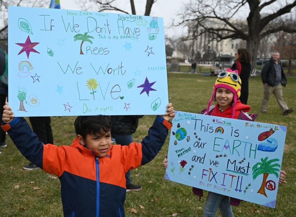 儿童在气候变化抗议。