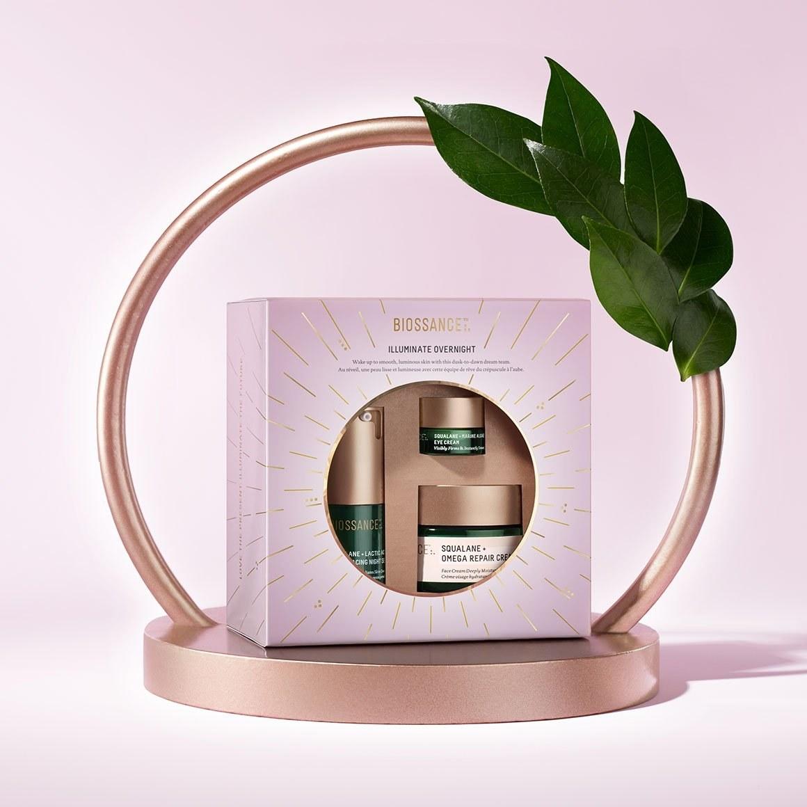 box with three mini products