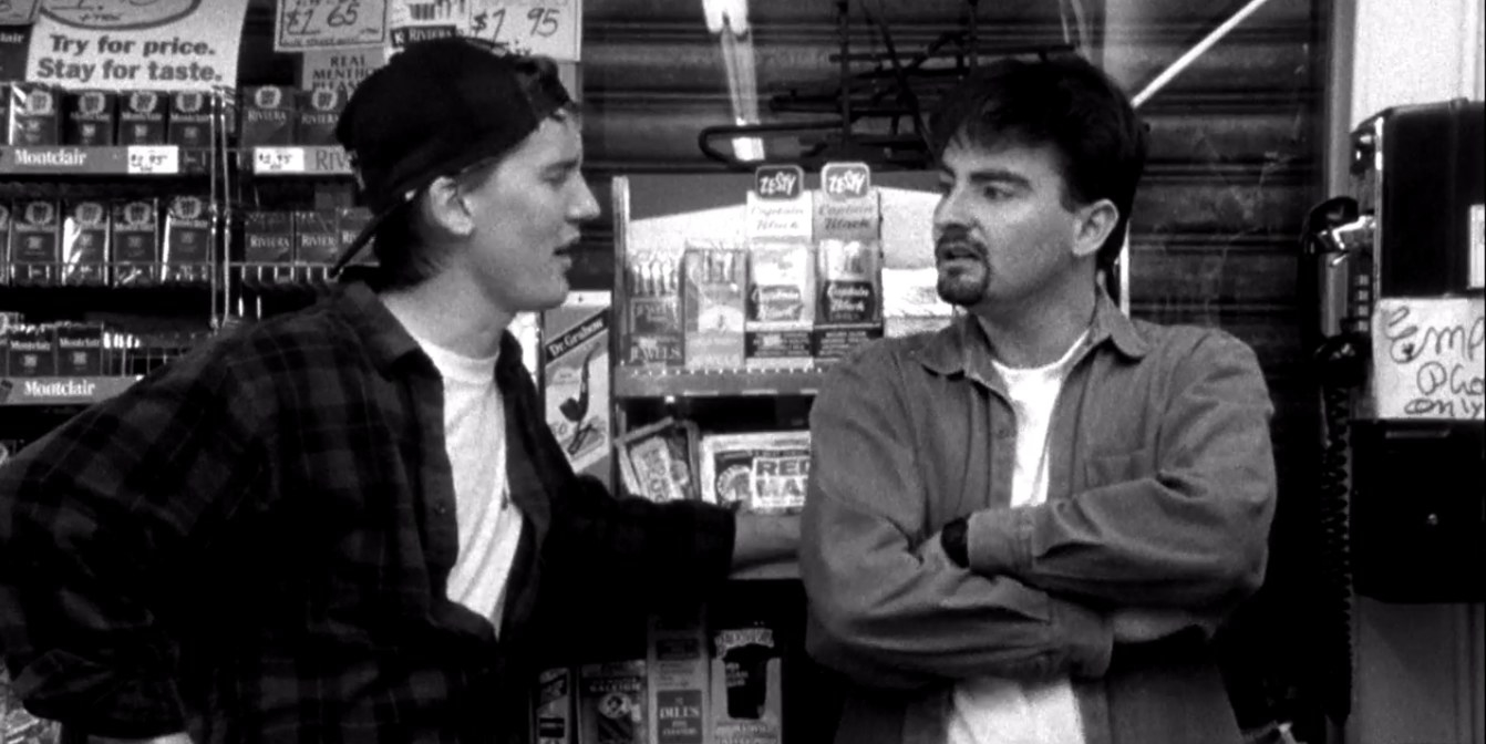Jeff Anderson (Randal Graves) and Brian O'Halloran (Dante) having a conversation in 'Clerks'