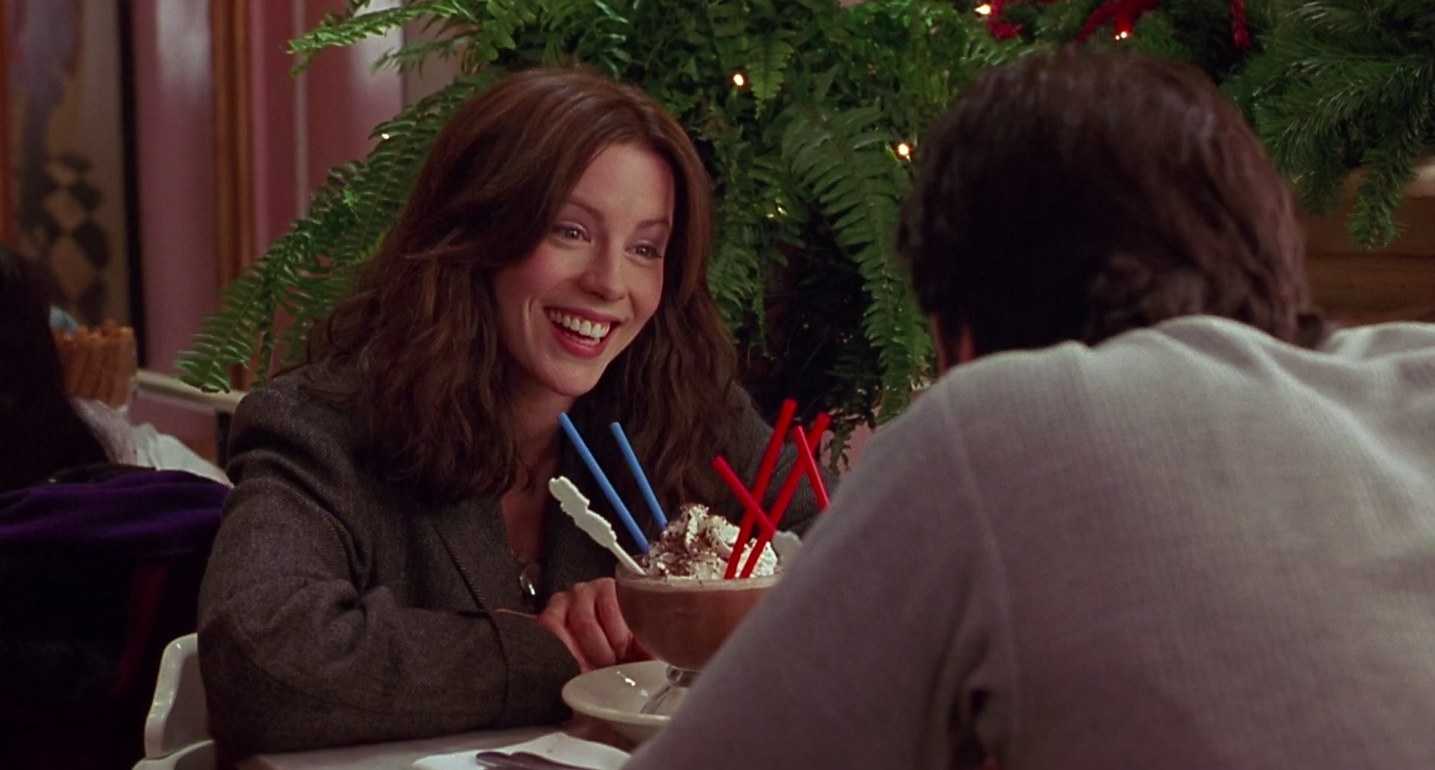 """kate beckinsale smiling to Jon Cusack over a frozen hot chocolate in """"Serendipity"""""""