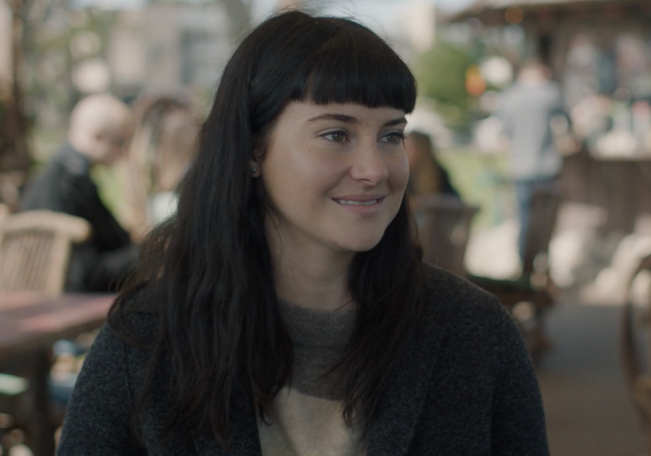 Shailene Woodley with very short bangs