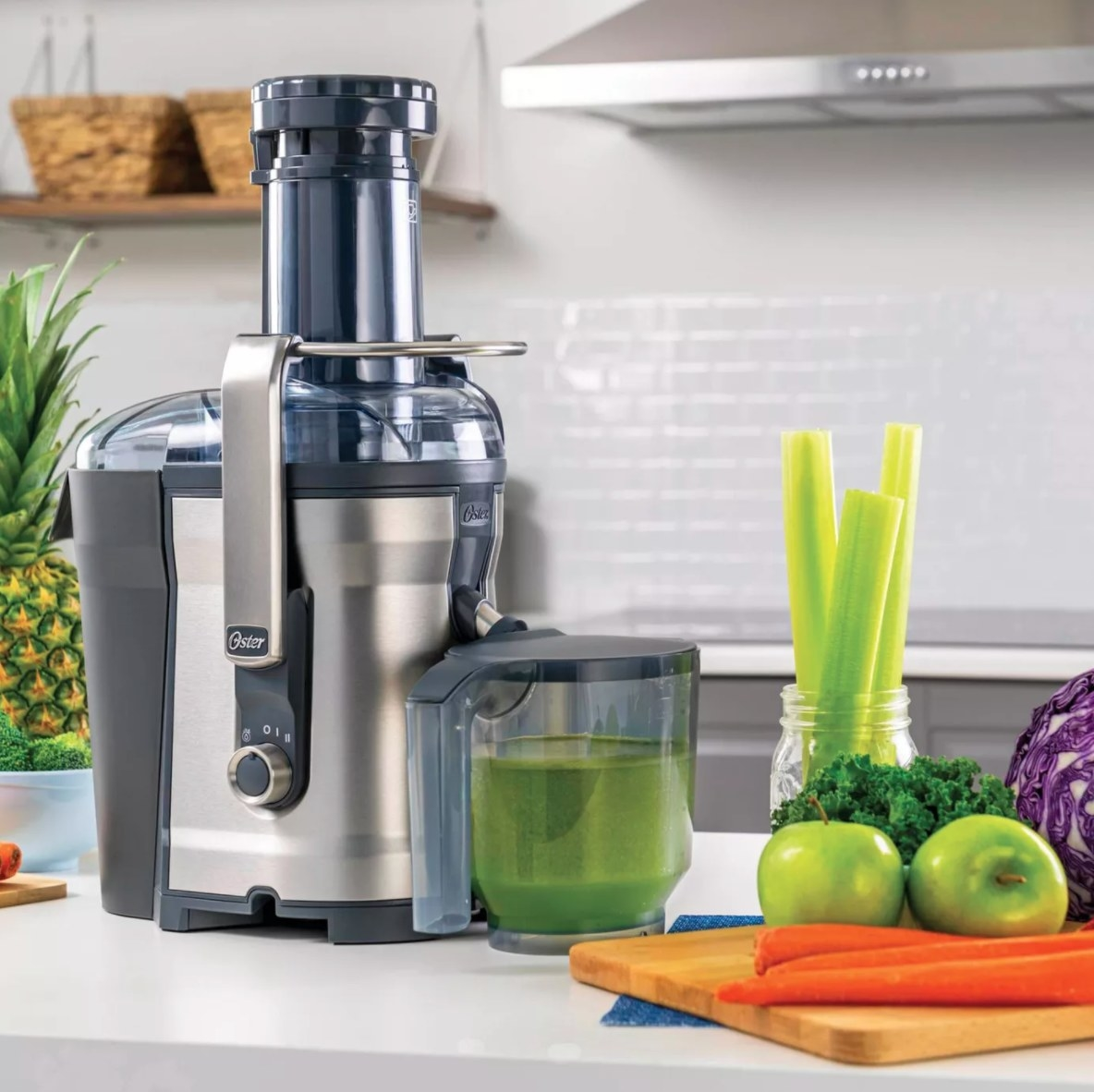 The self-cleaning professional juice extractor