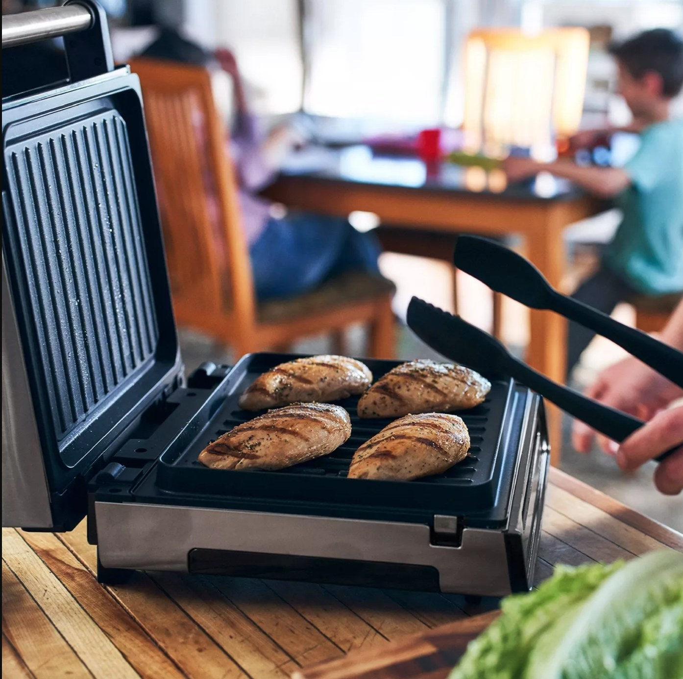 The smokeless George Foreman grill in black and stainless steel