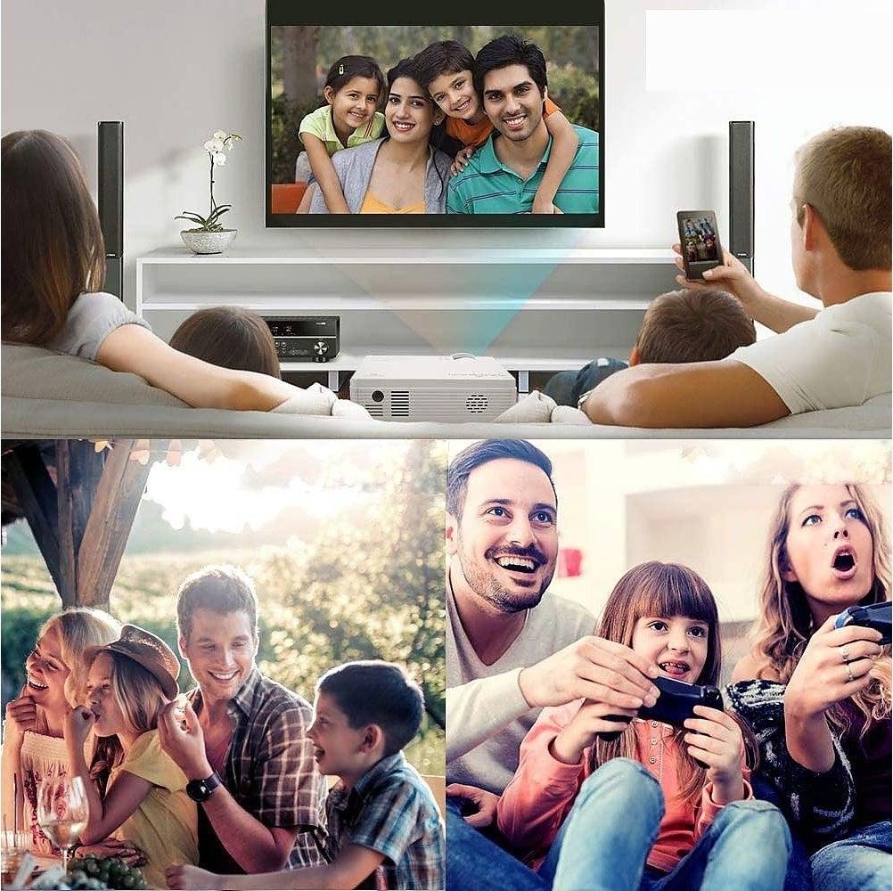 投影仪在室内、室外和玩游戏时使用