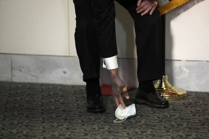 mitch mcconnell hands - photo #6