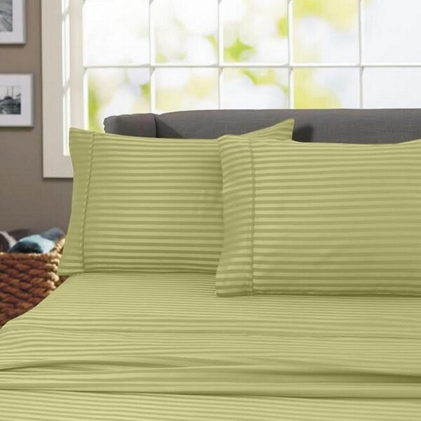 The sheets, which have a slight stripe pattern to them, and come with matching pillow cases